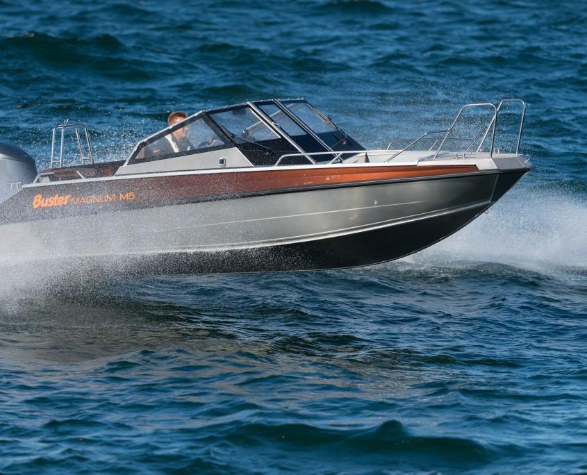 Buster Magnum M5 - Die Elite der Aluminiumboote